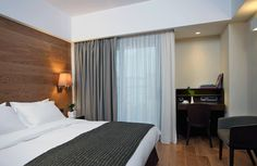 Standar Room with a working desk, large flat-screen smart HD TV with internet connection and a wide range of satellite channels. Ideal for business travelers! Hardwood Floors, Flooring, Work Desk, Contemporary Style, Connection, Flat Screen, Internet, Rooms, Range