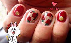Nails nail art roses essie bordeaux sand tropez studs gold