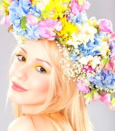 Boho bride's down wedding hair ideas Toni Kami ⊱✿Flowers in her hair✿⊰  spring flower crown corona halo   ♔