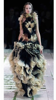 Alexander McQueen | 2011 SS Womenswear Fashion Show | Womens Spring Summer Collection