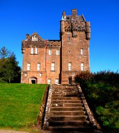 Brodick castle, Isle of Arran, Scotland. Former home of the Dukes of Hamilton Scotland Castles, Scottish Castles, Castle House, Castle Ruins, Great Places, Places To Go, Beautiful Places, Abandoned Castles, Abandoned Houses