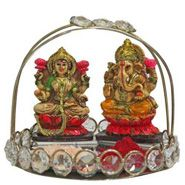 On this Diwali send laxmi-ganesh gifts to your relatives from anywhere in India through Ferns N Petals. FNP offers a wide range of Diwali gifts and you can send gifts to India with free and express shipping. Best Diwali Gift, Diwali Gifts, Online Gift Shop, Online Gifts, Online Flower Delivery, Online Florist, Order Flowers Online, Gift Cake, Send Flowers