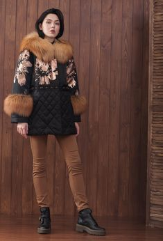 Зимняя куртка женская Fur Accessories, Winter Chic, Snow Suit, New Wardrobe, Winter Collection, Skirt Fashion, Boho Chic, Fall Outfits, Fur Coat
