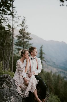 Mountain Elopement in Washington near Leavenworth! Bridal Poses, Wedding Poses, Wedding Shoot, Wedding Couples, Wedding Portraits, Wedding Ideas, Wedding Pictures, Wedding Details, Wedding Decorations