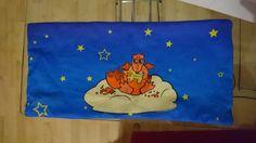 """""""Für meinen Neffen zur Geburt ein 4 Kammern-Traubenkernkissen mit einem kleinen Drachenbaby."""" © Maymay  http://www.stoffn.de"""