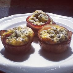 Post image for Bacon and Eggs Omelet Cups