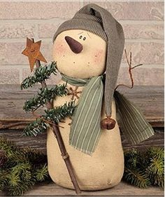 Primitive Christmas decor, snowman dolls, country Christmas stockings and adorable Santa Claus dolls. Christmas Sewing, Christmas Makes, Primitive Christmas, Country Christmas, Christmas Snowman, Christmas Ornaments, Christmas Stockings, Snowman Crafts, Christmas Projects