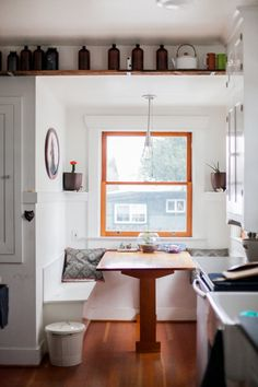 kitchen table and seating