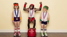 Chimpanzee Champion With Gold Medal And Young Children Photography , Monkey Wallpaper, Chimpanzee, Animals Images, New Image, Children Photography, Champion, Young Children, Ice Cream, Gold