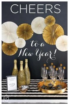 Bubbly Bar - Champagne Bar New Year's Eve Party Happy New Year - Party Ideas Bubbly Bar, Champagne Bar, Champagne Toast, Champagne Bottles, Wine Bottles, New Year Printables, Party Printables, Free Printables, New Year's Eve Celebrations