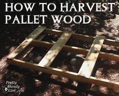 How to Salvage Wood From Pallets Pallet upcycling is all the rage today. But, if you've ever tried to actually remove wood planks from a pallet, you know that it is not an easy task. The nails that are used are Pallet Crates, Old Pallets, Pallet Art, Pallet Wood, Pallet Ideas, Recycled Pallets, Pallet Benches, Pallet Couch, Pallet Tables