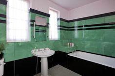 1930 art deco bathroom (emerald 'n black loveliness)