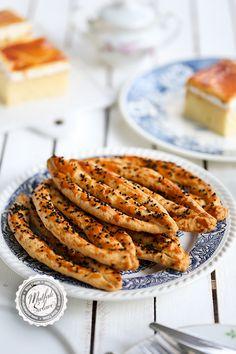 Pastane Usulü Çatal – Pratik yemekler – The Most Practical and Easy Recipes Baby Bella Mushroom Recipes, Chicken Mushroom Recipes, Delicious Cake Recipes, Great Recipes, Easy Desserts, Dessert Recipes, Beef Tenderloin Roast, Easy Summer Meals, Gabel