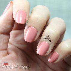 Resultado de imagem para tatuagens minimalistas nos dedos
