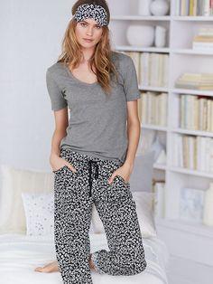 9d502bf173 Victoria Secret The Mayfair Tee-jama Pajama 2 Piece Set- Med.