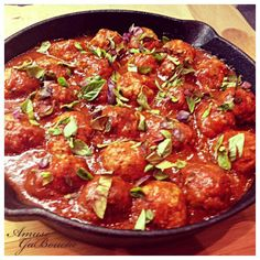 Amuse GaBouche - Amuse Bouche & Gabus: Olasz paradicsomos húsgombóc rozmaringos-fokhagymás Focaccia-val/ Italian Meatballs with Rosemary-Garlic Focaccia