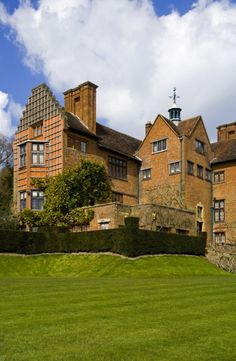 The south front of Chartwell, Kent, the country house of Winston and Clementine Churchill between 1922 and 1964. ©National Trust Images/Robert Morris