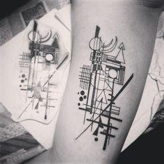 #tattoo #kandinsky #arttattoo #blacktattoo #girlstattoo #ouropreto #caem…