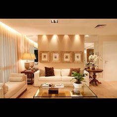 Makes the room look bigger. Lighting - Iluminação focada - @decorandocomclasse | Webstagram