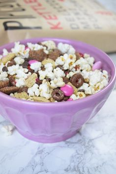 Pipcorn is heart eyes over @PrettyPrettyPineapple Recipe: Valentine's Day Trail Mix! Visit her blog to learn how http://prettyprettypineapple.com/2016/02/09/recipe-valentines-day-trail-mix/
