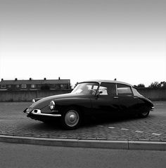#black #citroen DS