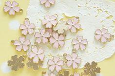 5 pcs Sakura Cherry Blossom  Charm 13mm Pale Pink by misssapporo