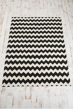 Teppich mit Zickzackmuster in Schwarz, 5 x 7