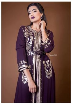 Kaftan, Moroccan Caftan, Sari, Passion For Fashion, Dresses With Sleeves, Wedding Dresses, Long Sleeve, Model, Instagram