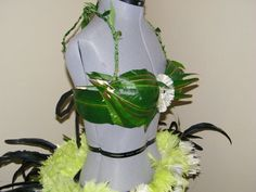 This bra is a custom made item that is covered with ti leafs and conveniently ties in the back for adjustability. Please let me know your cup size when ordering. Hawaiian Themed Outfits, Goddess Costume, Leaves, Let It Be, Bra, Trending Outfits, Unique Jewelry, Ties, Costumes