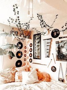 Cute Bedroom Decor, Room Design Bedroom, Room Ideas Bedroom, Bedroom Inspo, Neon Bedroom, Teen Bedroom Decorations, Teen Bed Room Ideas, Teen Bedroom Inspiration, Teen Room Decor