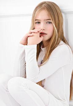 ALALOSHA: VOGUE ENFANTS: 13 GIRLS~ Anastasia Bezrukova