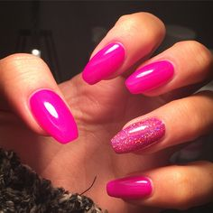 Looking for easy nail art ideas for short nails? Look no further here are are quick and easy nail art ideas for short nails. Toe Nails, Coffin Nails, Acrylic Nails, Purple Glitter, Easy Nail Art, Simple Nails, Shellac, Short Nails, Manicure