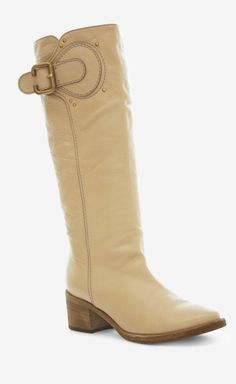 Woman's boots that I love