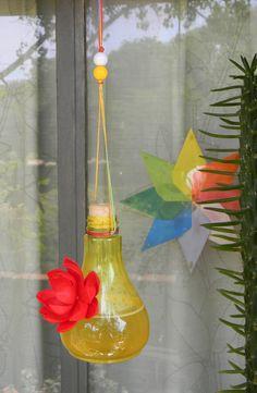 Bebederos para picaflores by Natalia Pérez Campelo at Coroflot.com