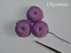 Learn to make these wonderful 3-dimensional crochet rounds for #Irish_crochet motifs or even for buttons. #Crochet #Tutorial in Russian but with lots of clear pictures.