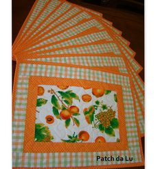 Mug Rug Patterns, Quilt Patterns, Handmade Crafts, Diy And Crafts, Place Mats Quilted, Table Runner And Placemats, Patch Quilt, Longarm Quilting, Mug Rugs
