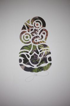 Maori Hei Tiki by Flox Pop Culture Halloween Costume, Halloween Skull, Halloween Painting, Happy Halloween, Sugar Skull Stencil, Maori Symbols, Tiki Tattoo, Maori Patterns, New Zealand Tattoo