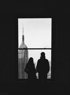 New York-concrete jungle where dreams of There's nothing you cant do When you're in NY. Gig Poster, Photos Voyages, City That Never Sleeps, Concrete Jungle, Black And White Photography, Cute Couples, New York City, Art Photography, Miniature Photography