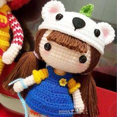 My chubby sweet little dolly. Love her rosy cheek so much ~ 我家伙食超级棒的呀。这个小女王被我养的白白胖胖滴 (Cute amigurumi doll inspiration).