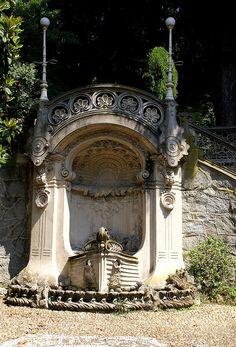 Torino, Corso Giovanni Lanza, Palazzina Scott von Pietro Fenoglio, Brunnen (Villa Scott by Pietro Fenoglio, fountain) by HEN-Magonza, via Flickr