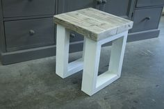 kruk eefje 40x40x48 wit,pearl wax zitting Pearl Wax, Bar Stools, Holland, Painting, Furniture, Home Decor, Bar Stool Sports, The Nederlands, Decoration Home