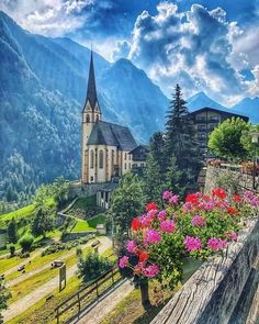 Heiligenblut Großglockner, Austria. Best Places In Europe, Best Cities, Visit Austria, Voyage Europe, Beautiful Places To Visit, Great Pictures, Location, What A Wonderful World, Wonders Of The World