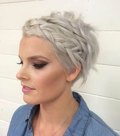 Wedding Hairstyles For Long Hair Braided Pixie Wedding Hairstyle for Short Hair - Looking for a way to wear your hair for the big day? Check out these 31 wedding hairstyles for short to mid length hair for inspiration! Quick Braids, Braids For Short Hair, Short Hair Styles, Messy Braids, Pixie Styles, Simple Braids, Quick Hair, Easy Hair, Prom Hairstyles For Short Hair