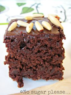 Torta al cioccolato, three hole cake Fall Dessert Recipes, Fall Desserts, Christmas Desserts, Healthy Vegan Desserts, Healthy Cake, Healthy Recipes, Vegan Chocolate Mousse, Chocolate Recipes, Tortitas Light