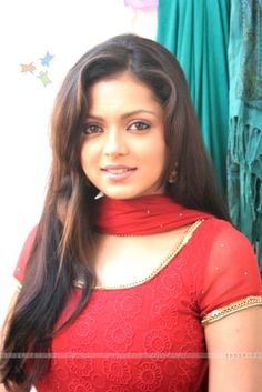 Drashti Dhami Bollywood Actress Hot, Beautiful Bollywood Actress, Most Beautiful Indian Actress, Beautiful Actresses, Most Beautiful People, Beautiful Girl Image, Beautiful Gorgeous, Cute Beauty, Beauty Full Girl
