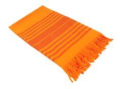 Hamam-Tuch (orange) Sreifen-Design. Es ist äußerst saugstarkg und eignet sich als Saunatuch in der Sauna, Wellnesstuch im Spa oder im heimischen Bad.