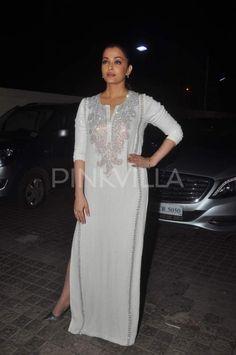 Aishwarya attends Jazbaa premiere with family; looks like a dream! | PINKVILLA