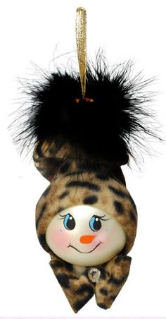Leopard Snowgirl Ornament project from DecoArt Snowman Crafts, Snowman Ornaments, Diy Christmas Ornaments, Christmas Projects, Handmade Christmas, Holiday Crafts, Snowmen, Lightbulb Ornaments, Light Bulb Crafts