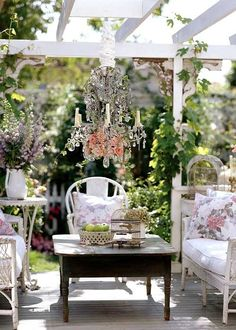 shabby chic outdoor decor