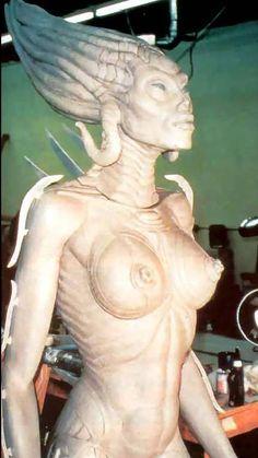 Ганс Руди Гигер: Sil sculpture5